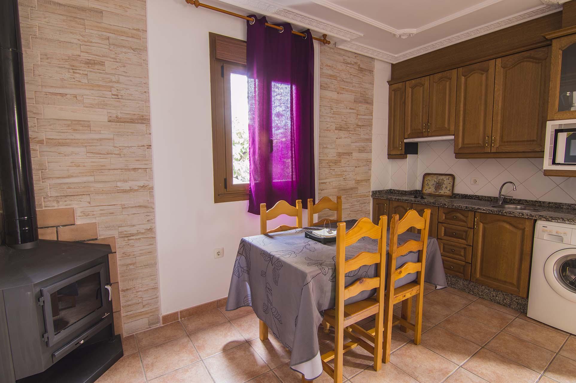 Apartamento rural con chimenea en Pinofranqueado